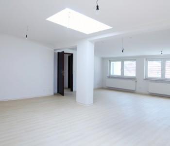 Penthouse_Wohnung_in_Wiesbaden-Biebrich_zu-mieten_Immoro_Immobilien_Wiesbaden_2015_Wohnung_Bild_Wohnzimmer